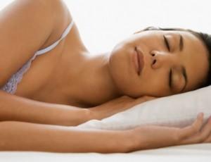 prova-bikini-il-sonno-aiuta-la-linea-300×230