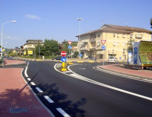 rotatoria-via-Ancona-300×230