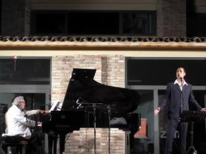 bacalov-e-peloni-durante-il-concerto-300×224