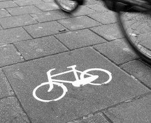 bicicletta-pista-ciclabile-1