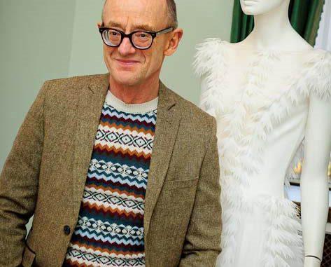 a6c0f65d6c3e PIANELLO VALLESINA – Il celebre designer londinese David Fielden – i cui  abiti sono stati scelti dalle più grandi star mondiali come Julia Roberts e  Kate ...