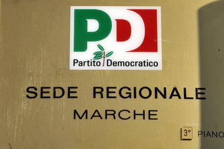 Pd: targa della sede regionale Marche in piazza Stamira ad Ancona