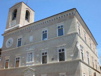 800px-Jesi_Palazzo_della_Signoria