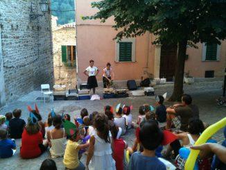 Paese-dei-Balocchi_Teatro-in-piazza-1024×767
