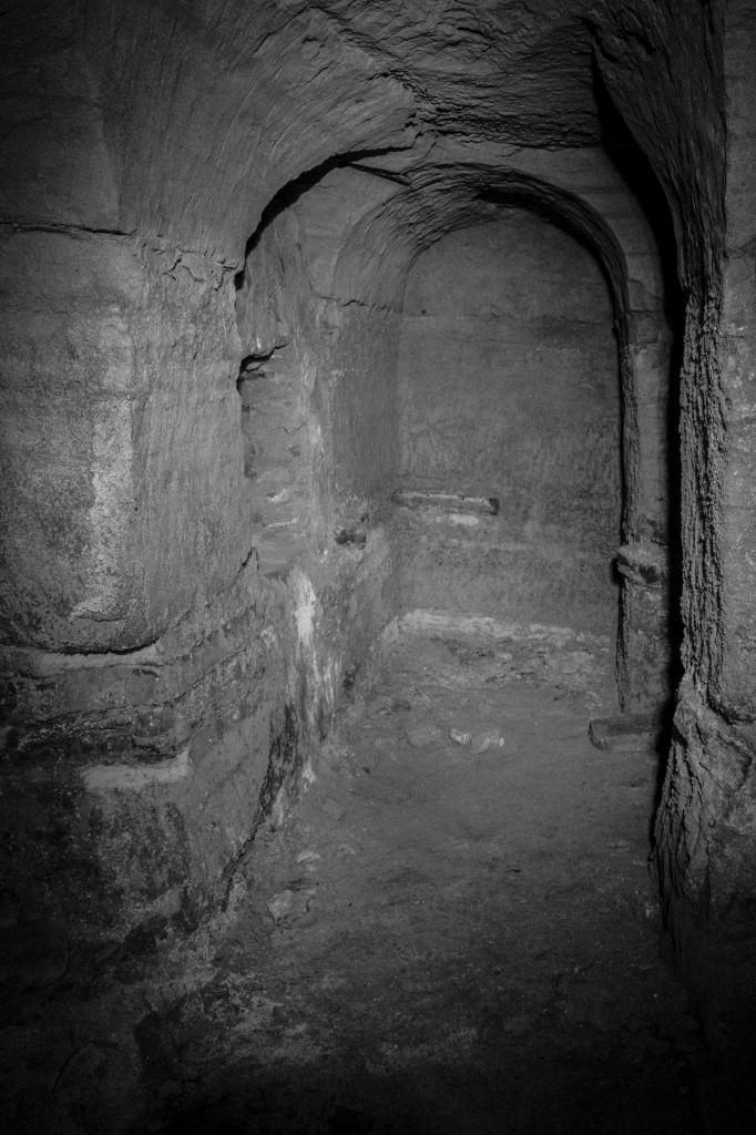 Scoperta una galleria sotterranea nei locali dell'ex- enoteca regionale