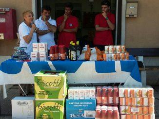 consegna-prodotti-alimentari-Avis-Moie-alla-Caritas-di-Pianellol-Vallesina-30.8.15
