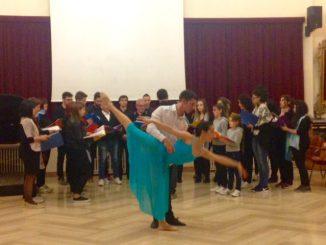 CORO-SCUOLA-MUSICALE-passo-a-due-2