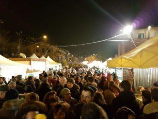 castelbellino-stazione-folla