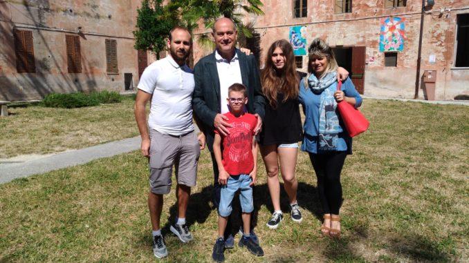 Massimo Bacci assieme alla moglie Isabella, ai figli Alessandro e Valentina e al nipote Giovanni-1