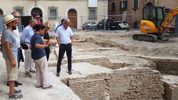 PiazzaColocci01