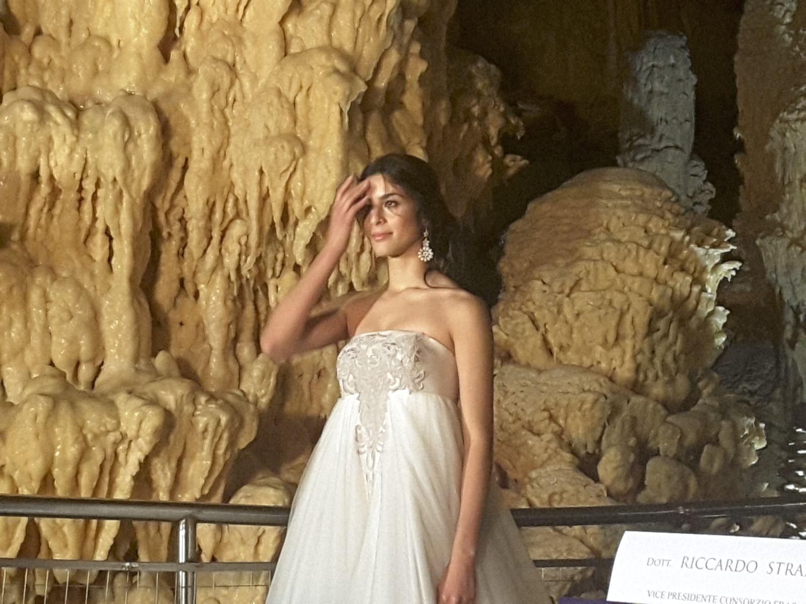 Matrimonio da favola nel suggestivo scenario delle grotte - Sogno casa fabriano ...