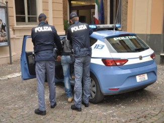 20161202-arresto-polizia-430×323[1]