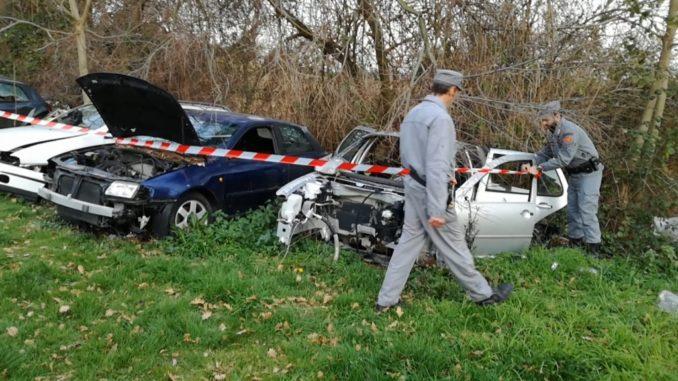 sequestro carcasse di autoveicoli