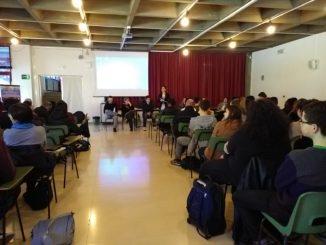 Liceo Scientifico_Jesi_spettacoloVivo1