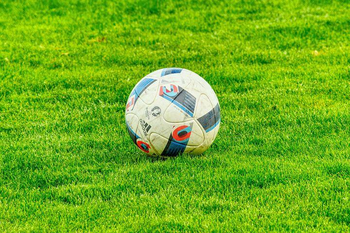 football-2778583__480
