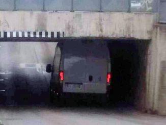 furgone incastrato via marconi