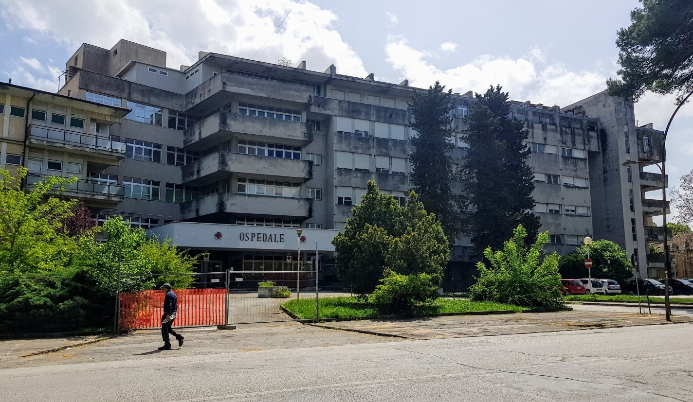 Ex ospedale