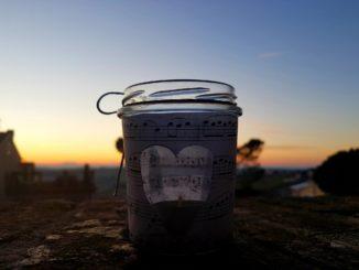 candela al tramonto