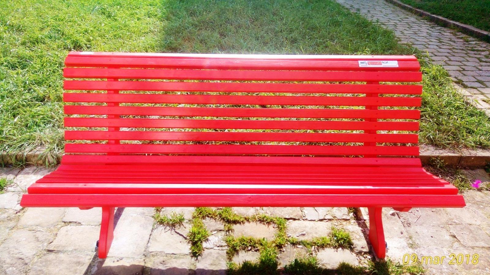 panchina rossa foto