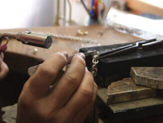 jewellery-4603233_1920